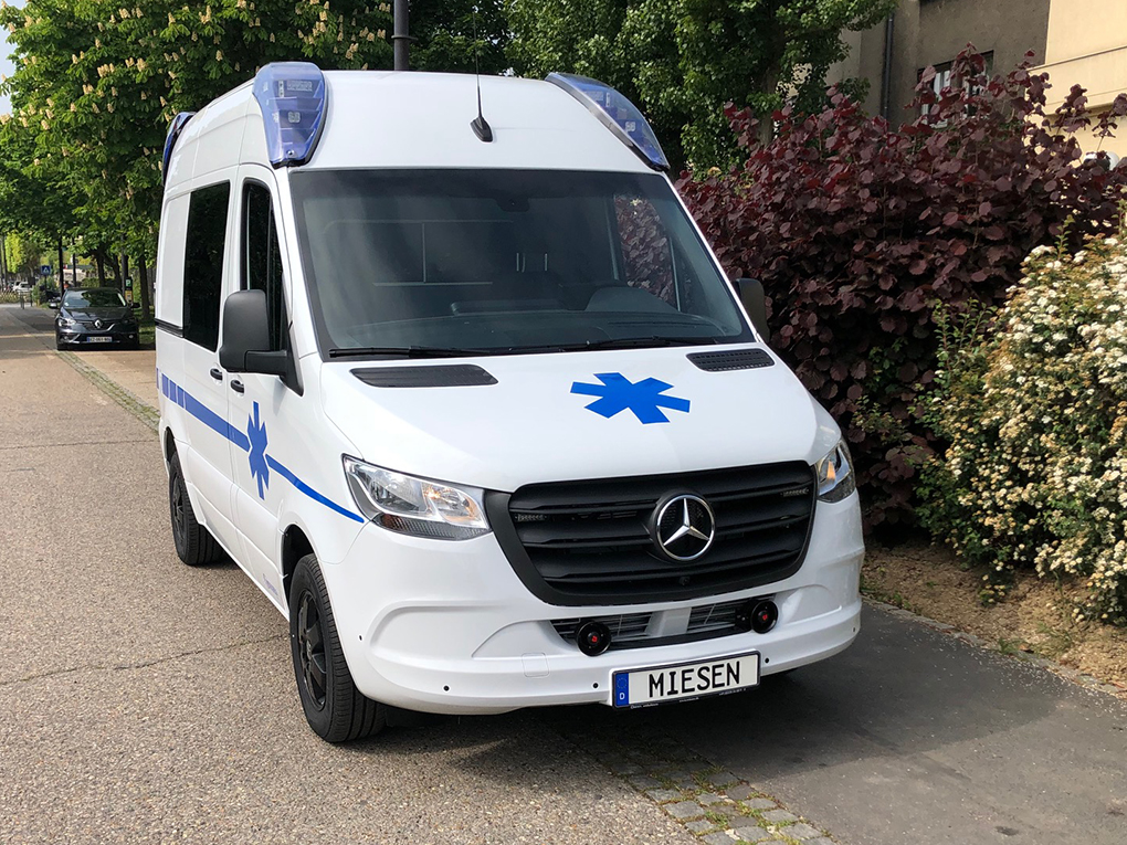 AMBULANCE MERCEDES SPRINTER COURT HAUT B