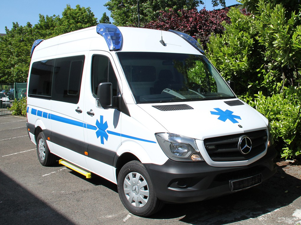 AMBULANCE MERCEDES SPRINTER MOYEN HAUT C